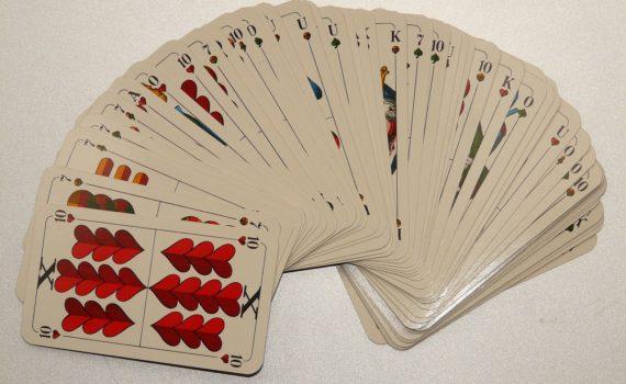 card-game-811_1280